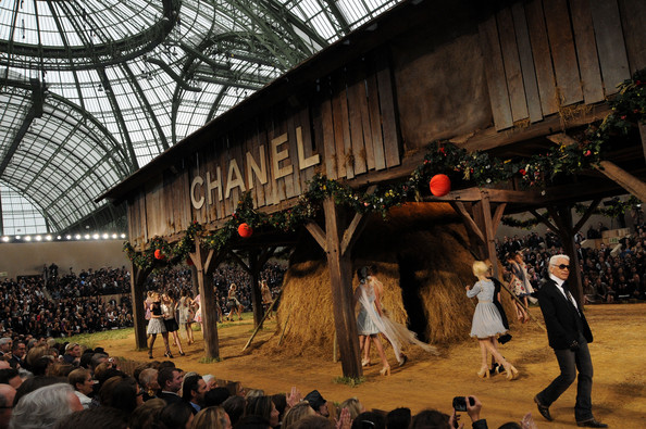 Chanel Spring Summer 2010 - Paris Womenswear Fashion Week