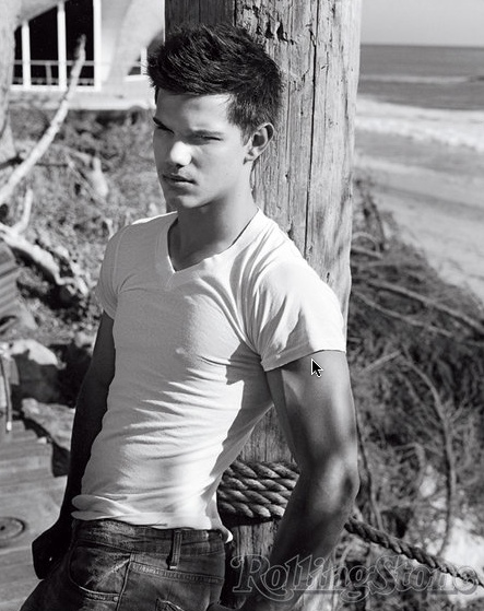 gallery_enlarged-taylor-lautner-rolling-stone-photos-11242009-04.jpg