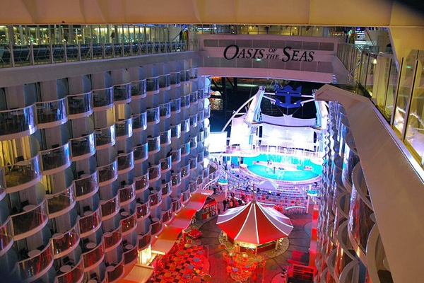 oasis_of_the_seas_34.jpg