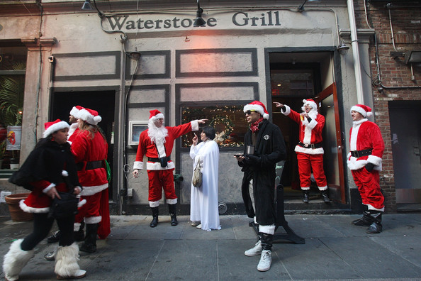 New+Yorkers+Dress+Up+Santa+SantaCon+Gathering+75FQht4K2q7l.jpg
