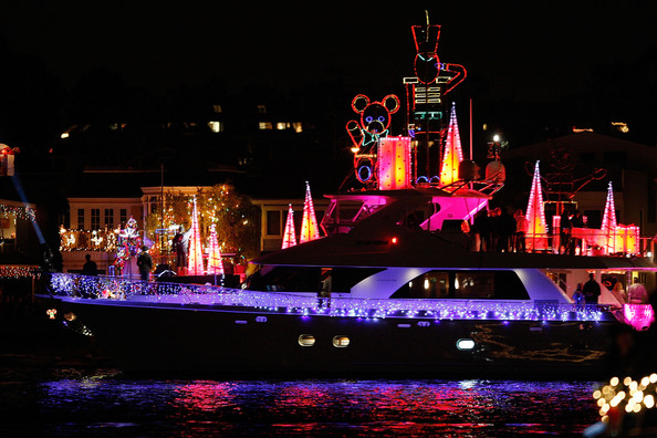 Boats+Yachts+Take+Part+Newport+Beach+Christmas+FR9GlERsT5cl.jpg