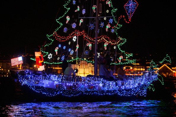 Boats+Yachts+Take+Part+Newport+Beach+Christmas+I7LxQ-kxbidl.jpg