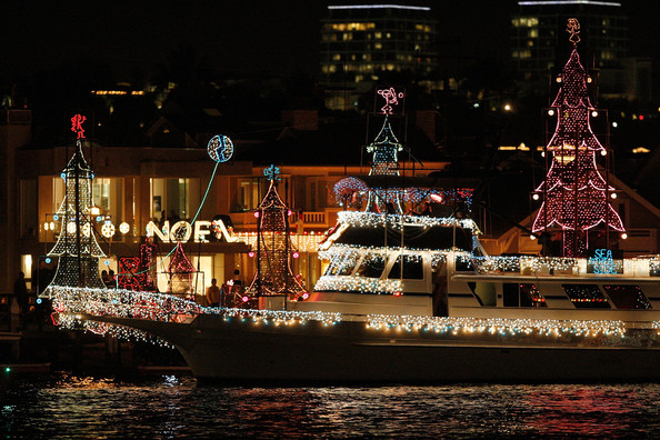 Boats+Yachts+Take+Part+Newport+Beach+Christmas+_Quslxn3G56l.jpg