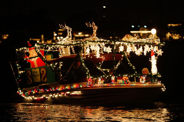 Boats+Yachts+Take+Part+Newport+Beach+Christmas+q20KTziPhDRl.jpg