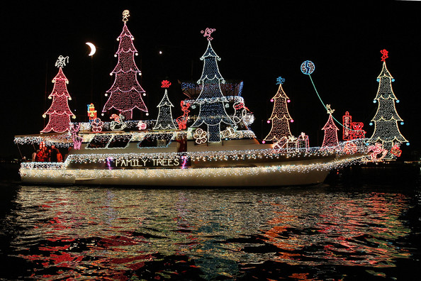 Boats+Yachts+Take+Part+Newport+Beach+Christmas+yNetqSi2Yagl.jpg