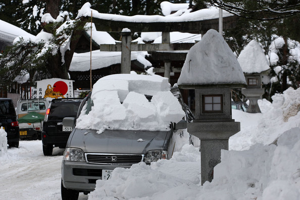 Heavy+Snow+Fall+Northern+Japan+fSy8ErEBoeAl.jpg