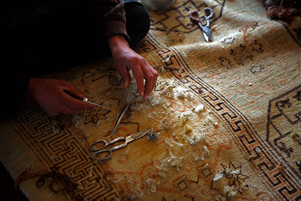 Afghans Produce+Highly Prized Rugs Kabul