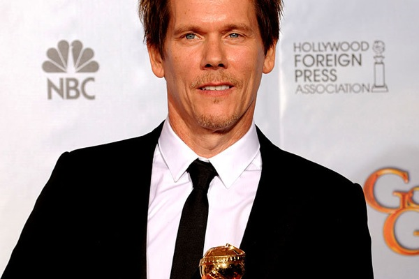 golden_globes_2010_kevin_bacon_taking_chance.jpg