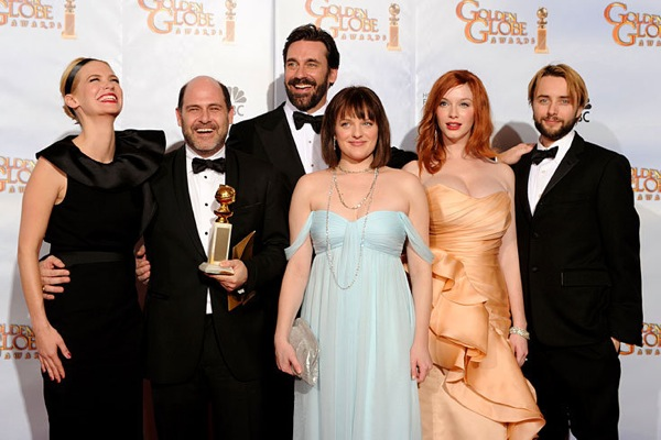 golden_globes_2010_mad_men_cast.jpg