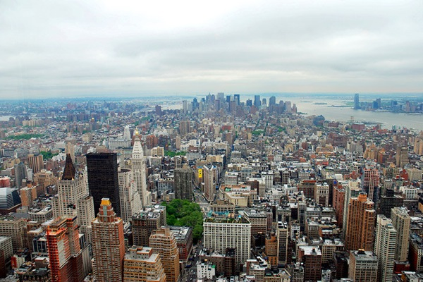 new_york_manhattan_empire_state_building.jpg