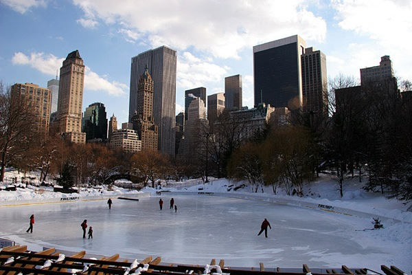 new_york_manhattan_ice-skating_ring_central_park.jpg