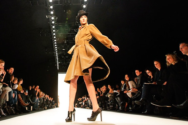 fashion_week_berlin_2010_bernadett_penkov01.jpg