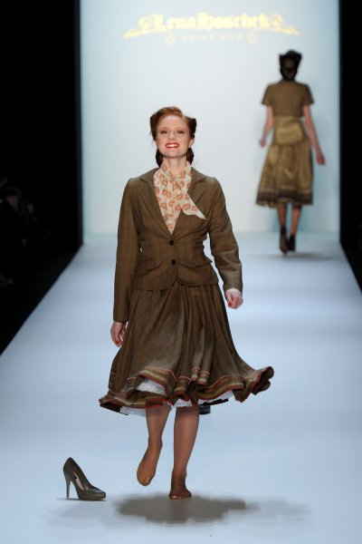 fashion_week_berlin_2010_lena_hoschek05.jpg
