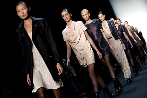 fashion_week_berlin_2010_mongrels_in_common01.jpg