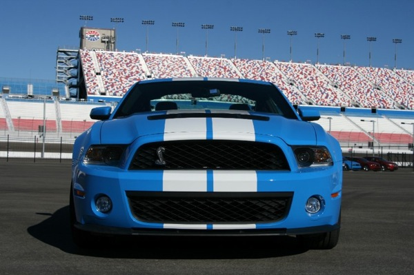 ford_mustang_shelby_gt_500_2.jpg