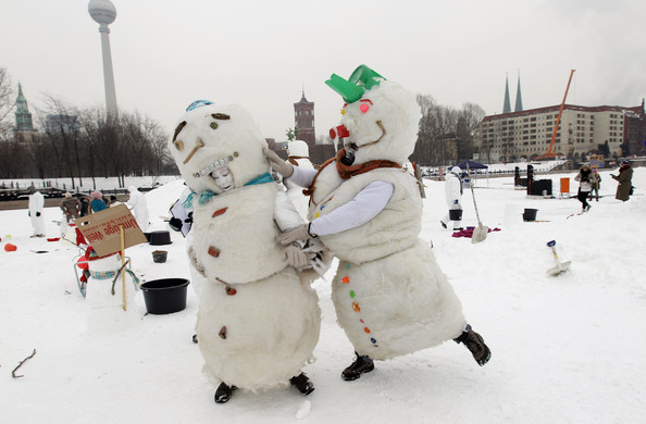 Snowman+Performance+Against+Global+Warming+thAK9C5R-µl.jpg