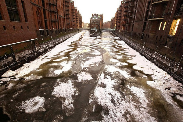 germany_winter_hamburg_speicherstadt.jpg