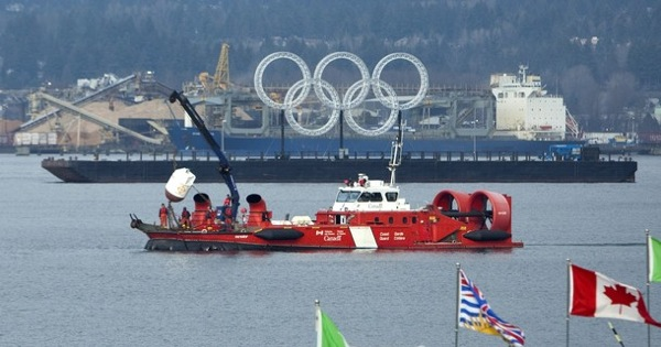 vancouver_canadia_coast_guard_boat.jpg