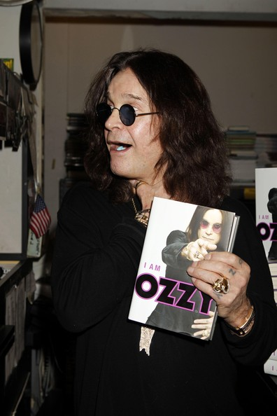 Ozzy+Osbourne+Signing+Copies+New+Book+Ozzy+dmd3RWwPtMKl.jpg
