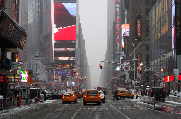 Major+Snowstorm+Hits+New+York+City+SKVr7IbZ3A6l.jpg