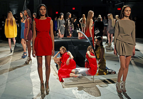 new_york_fashion_week_halston_marios_schwab.jpg