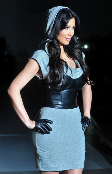 new_york_fashion_week_kim_kardashian_at_bebe.jpg