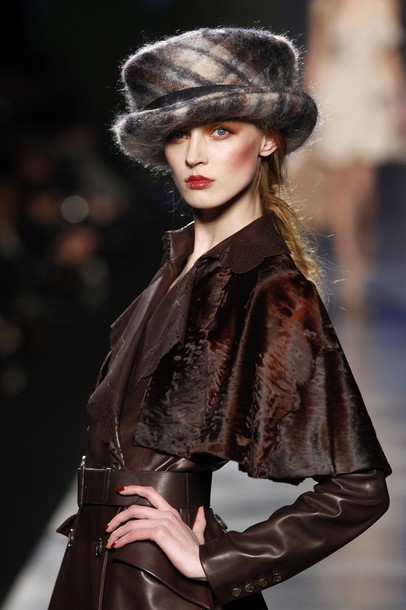 paris_fashion_week_fall_winter_2011_christian_dior12.jpg