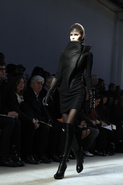 paris_fashion_week_fall_winter_2011_gareth_pugh04.jpg