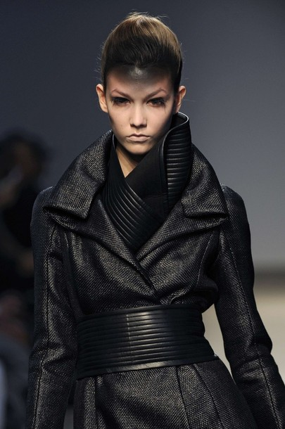 paris_fashion_week_fall_winter_2011_gareth_pugh06.jpg