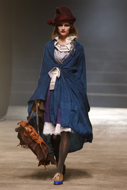 paris_fashion_week_fall_winter_2011_vivienne_westwood02.jpg