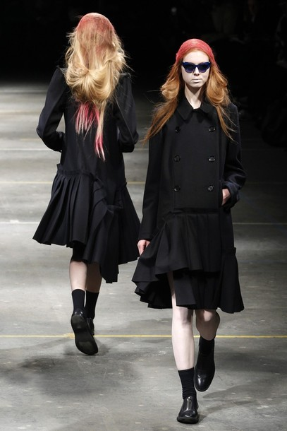 paris_fashion_week_fall_winter_2011_yohji_yamamoto01.jpg