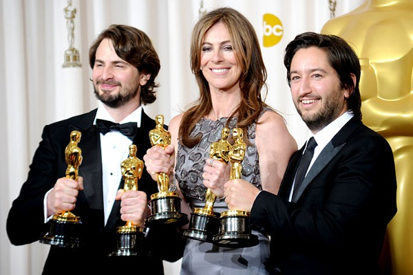 82nd_oscar_awards_hurt_locker_team.jpg