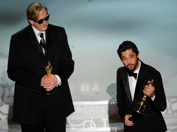82nd_oscar_awards_t-bone_burnett_ryan_bingham_best_song_the_weary_kind_from_crazy_heart.jpg