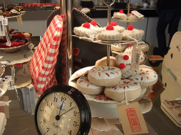 11alice-wonderland-london-selfridges-oxford-street-paperoddbird_.jpg