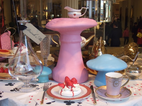 3alice-wonderland-london-selfridges-oxford-street-paperoddbird_.jpg