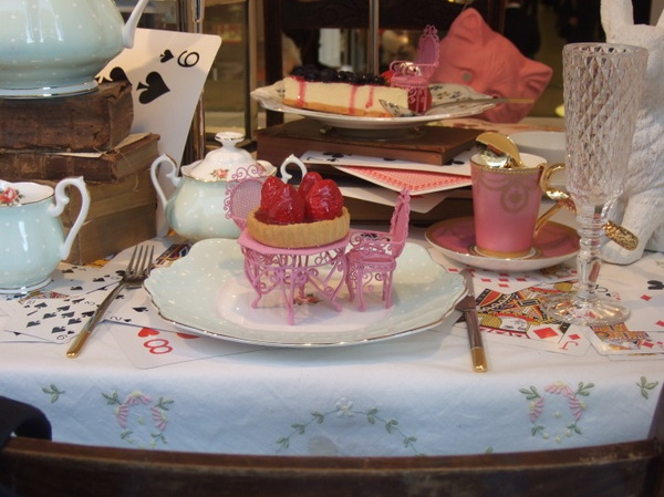 4alice-wonderland-london-selfridges-oxford-street-paperoddbird_.jpg