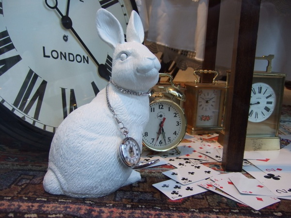 5alice-wonderland-london-selfridges-oxford-street-paperoddbird_.jpg
