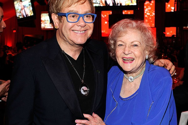 oscar_after_party_elton_john_betty_white.jpg