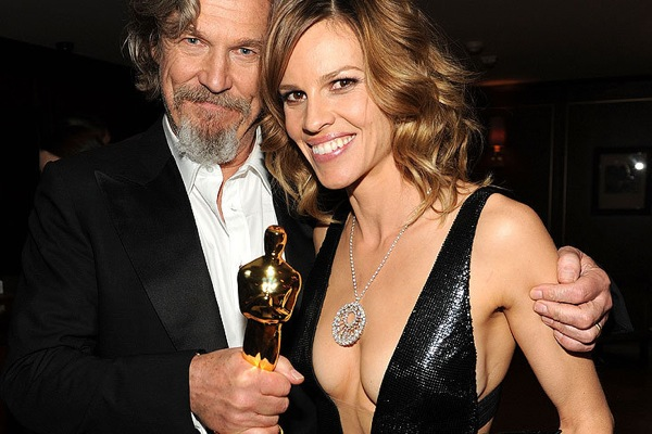oscar_after_party_jeff_bridges_hilary_swank.jpg