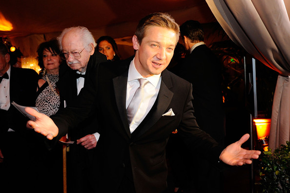 oscar_after_party_jeremy_renner.jpg