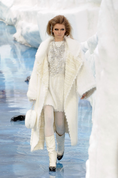 chanel_paris_fashion_week_autumn_winter_2010_2011_12.jpg