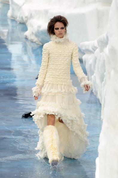 chanel_paris_fashion_week_autumn_winter_2010_2011_20.jpg