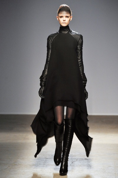 gareth_pugh_fall_winter_2011_paris04.jpg