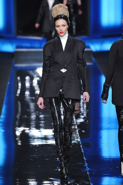 karl_lagerfeld_fall_winter_2011_paris04.jpg
