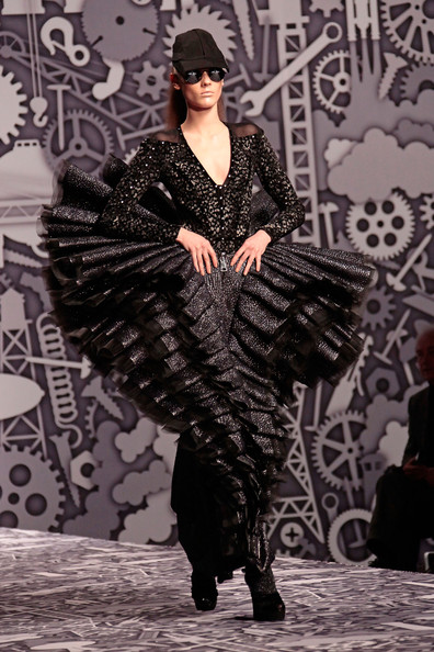 Viktor and Rolf Fall Winter 2010 2011 Paris