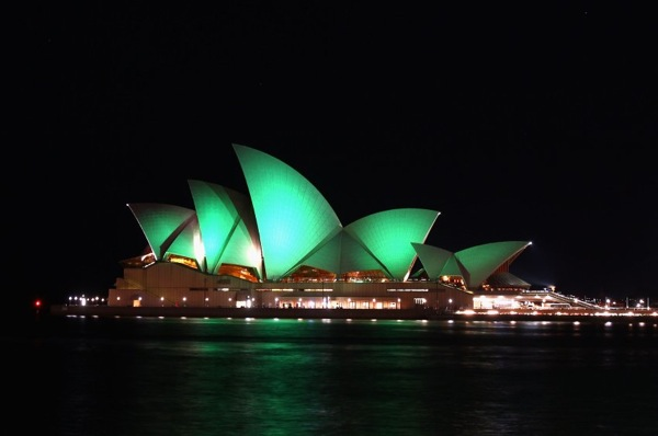 st_patricks_day_sydney_opera_house_green.jpg