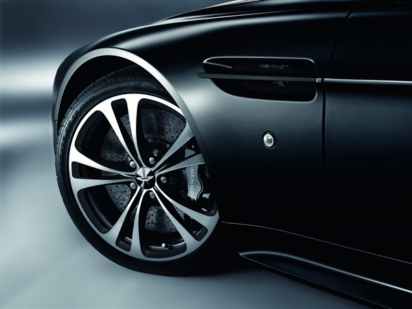 Aston-Martin-Carbon-Black-Special-Editions-04.jpg