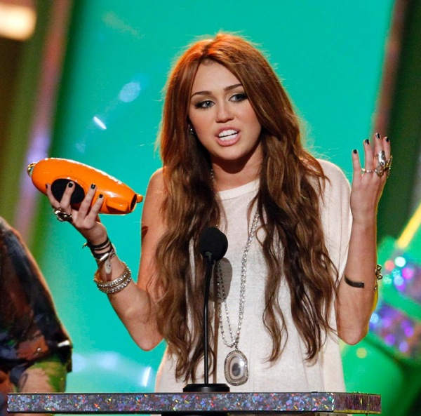 kids_choice_awards_miley_cyrus.jpg