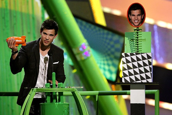 kids_choice_awards_taylor_lautner.jpg