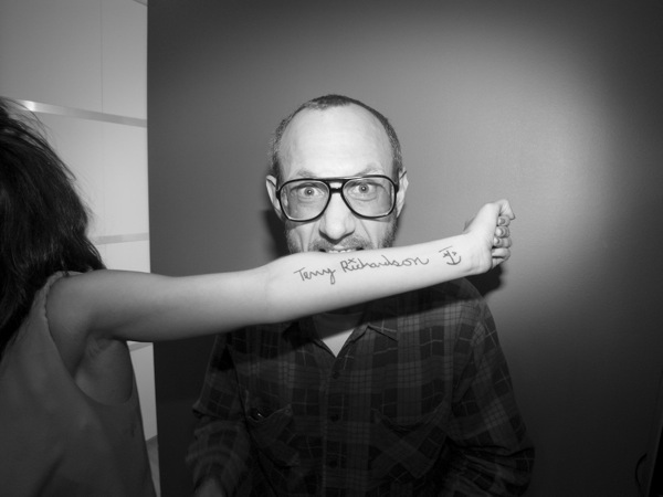 Terry_Richardson_signing_Autographs.jpg